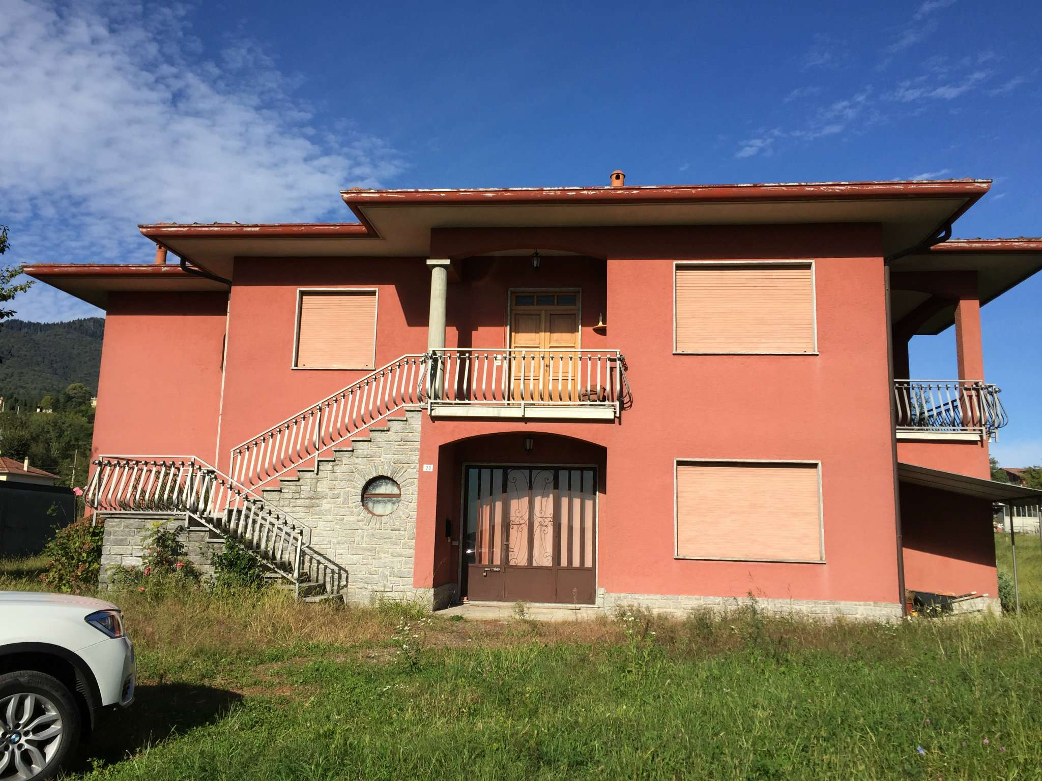 Villa in vendita a Gavirate, 4 locali, prezzo € 230.000 | PortaleAgenzieImmobiliari.it