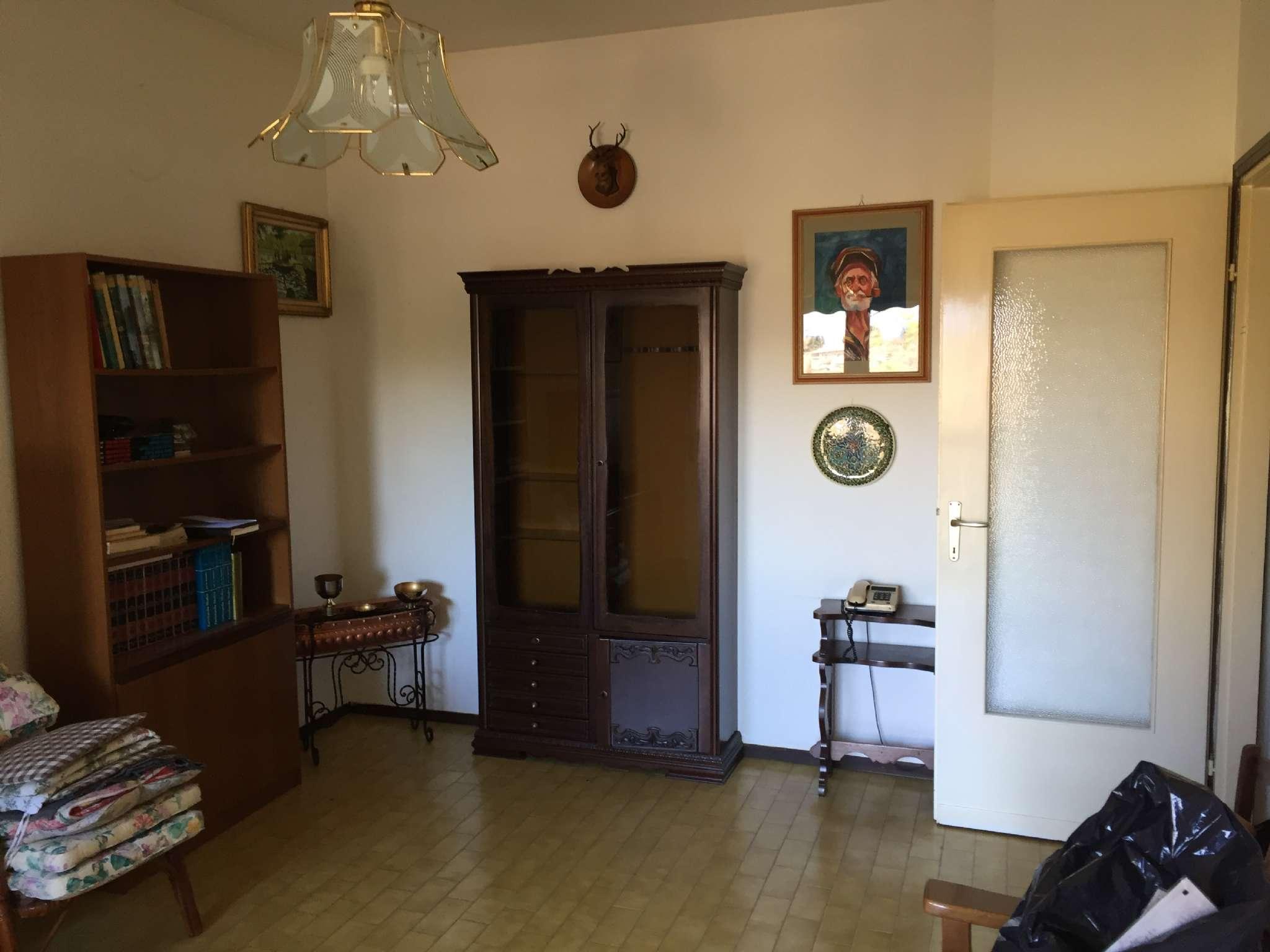 Appartamento in vendita a Cittiglio, 3 locali, prezzo € 62.000 | CambioCasa.it