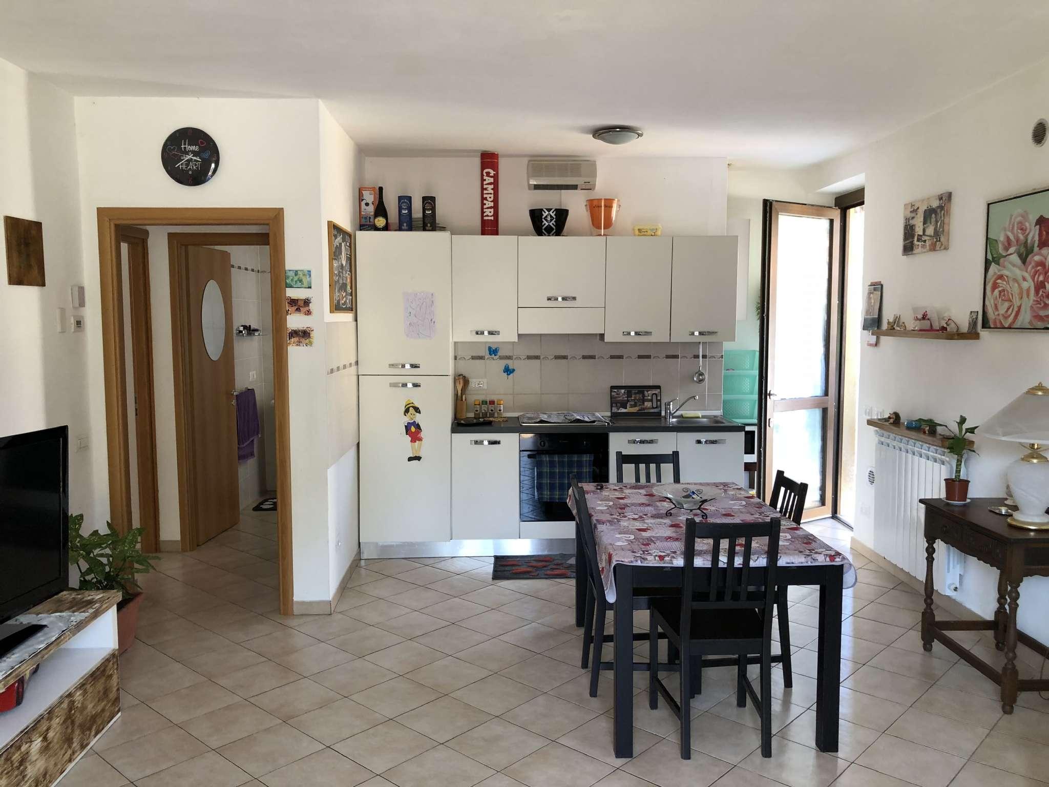 Appartamento in vendita a Leggiuno, 2 locali, prezzo € 75.000 | CambioCasa.it
