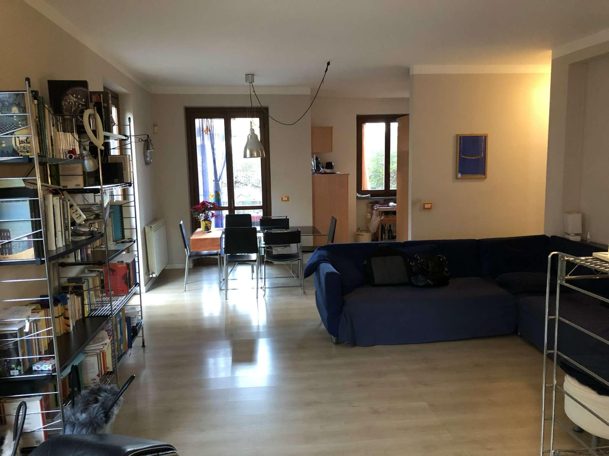 Villa Bifamiliare in vendita a Caravate, 8 locali, prezzo € 210.000 | PortaleAgenzieImmobiliari.it