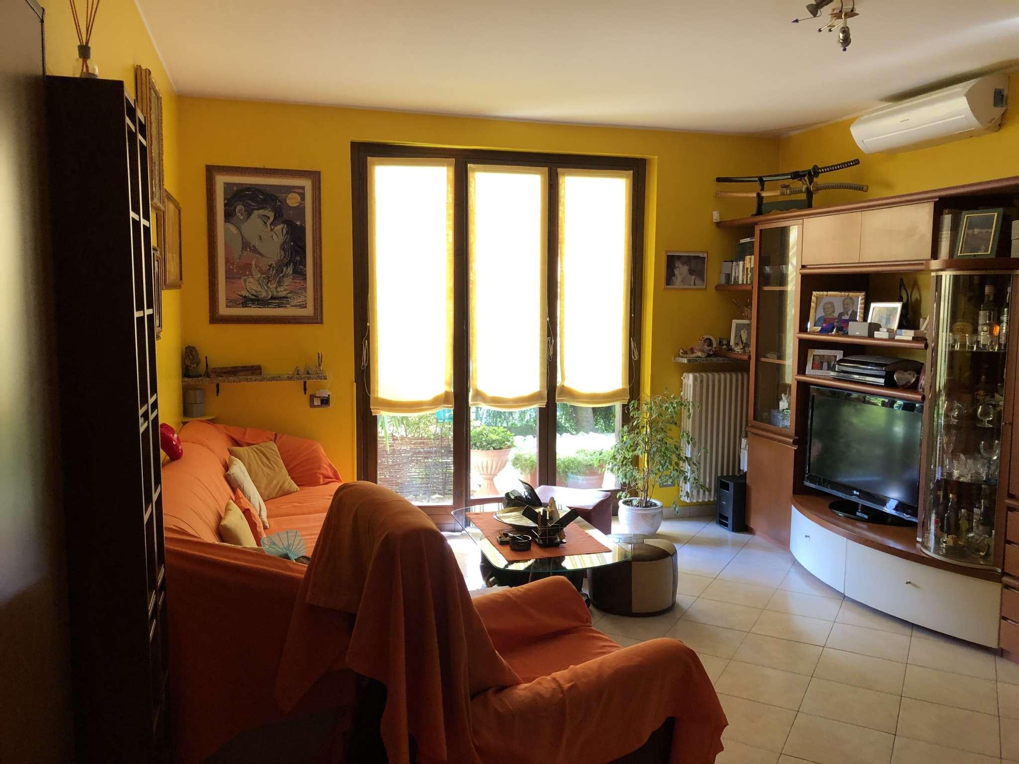 Appartamento in vendita a Leggiuno, 3 locali, prezzo € 180.000 | CambioCasa.it