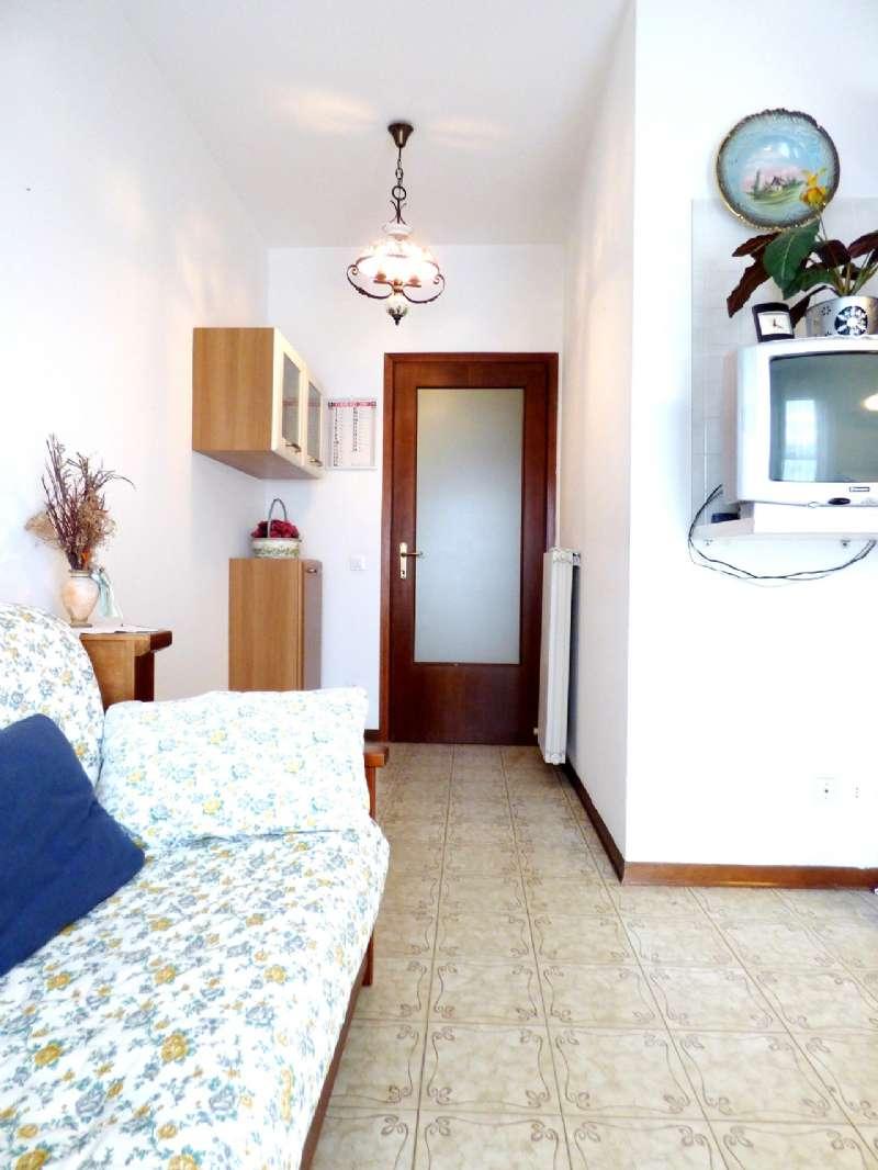 Appartamento ristrutturato parzialmente arredato in vendita Rif. 8692953