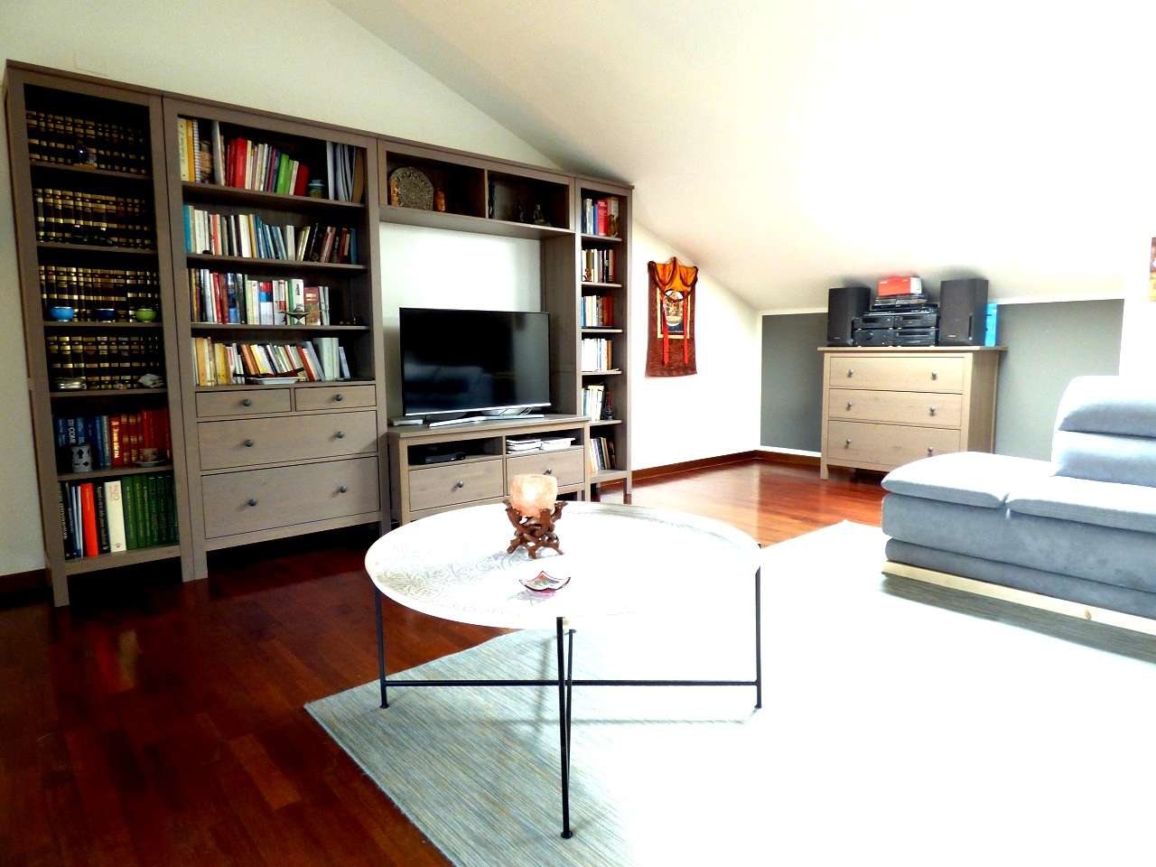 Appartamento in ottime condizioni parzialmente arredato in vendita Rif. 6494921