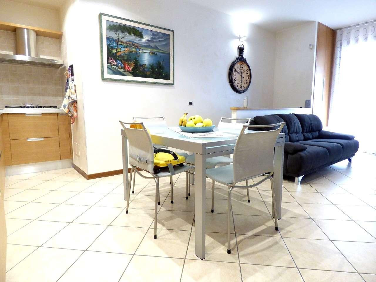 Appartamento in ottime condizioni in vendita Rif. 6977860