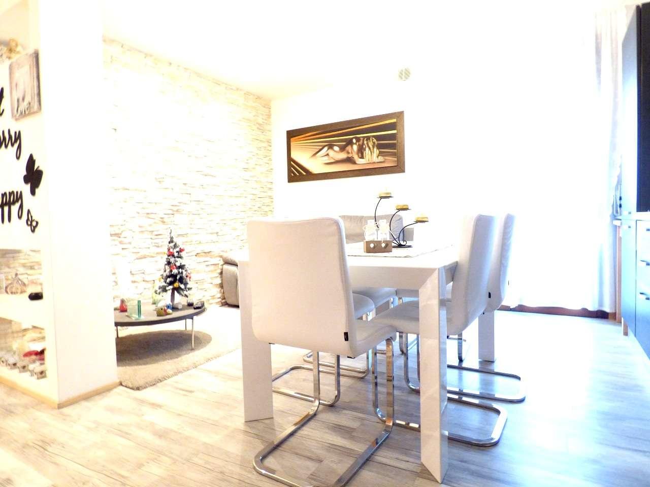 Appartamento in ottime condizioni parzialmente arredato in vendita Rif. 8736102
