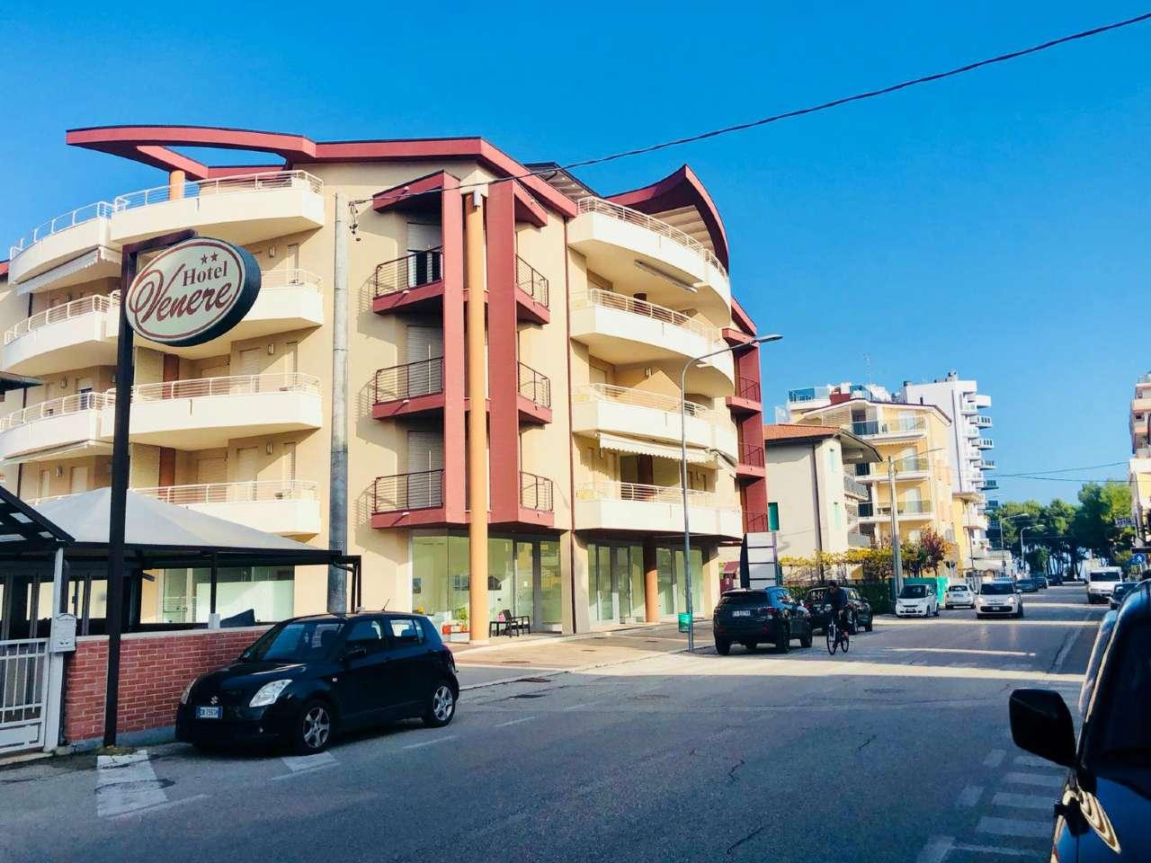 Appartamento parzialmente arredato in vendita Rif. 8899472