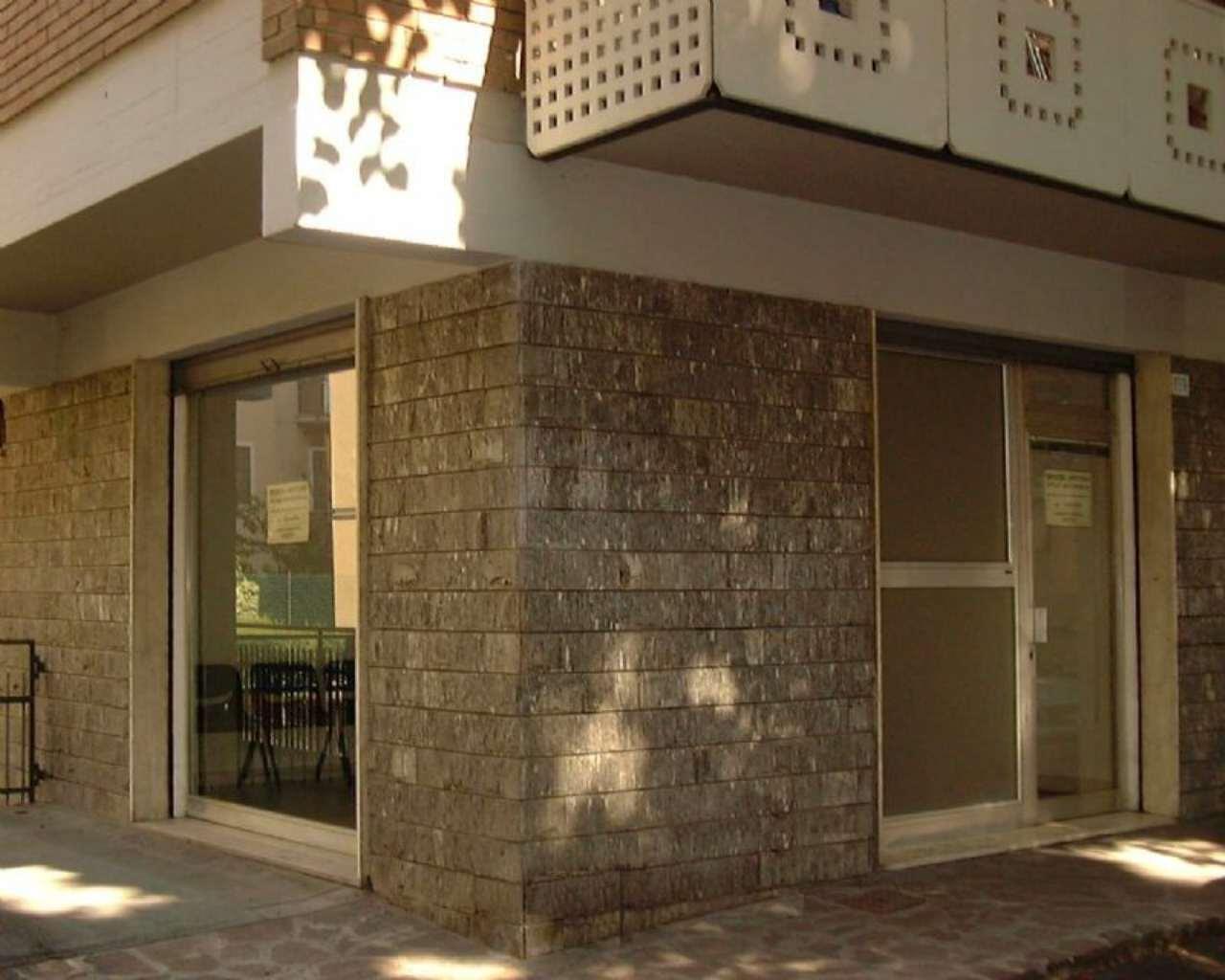 Locale commerciale Via Crespellani Rif. 9069603