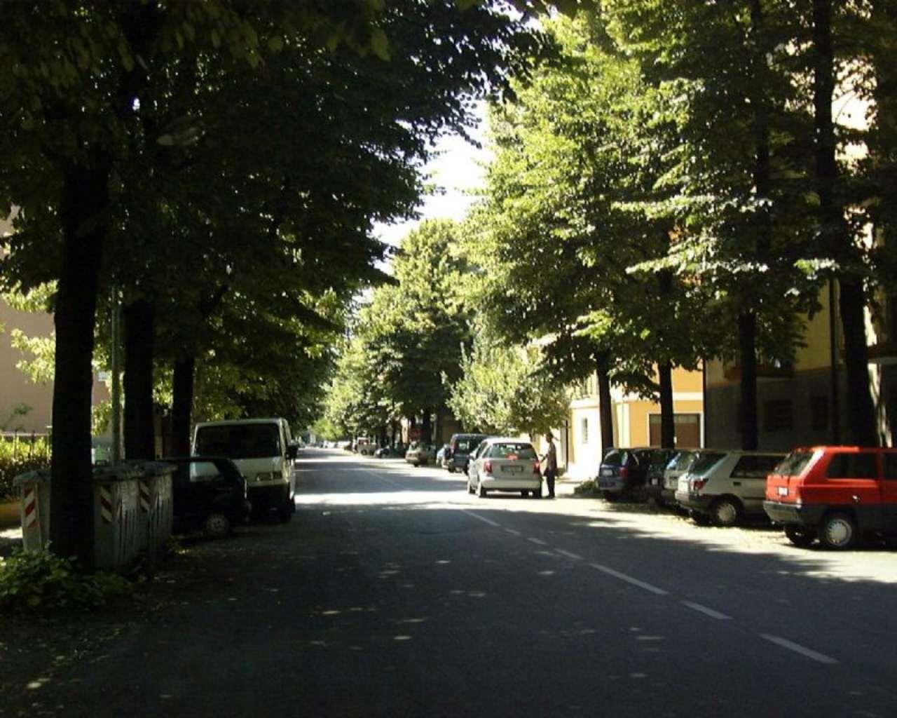 Locale commerciale Via Crespellani Rif. 9069604