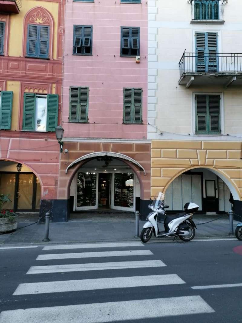Negozio / Locale in affitto a Santa Margherita Ligure, 2 locali, prezzo € 3.000 | CambioCasa.it