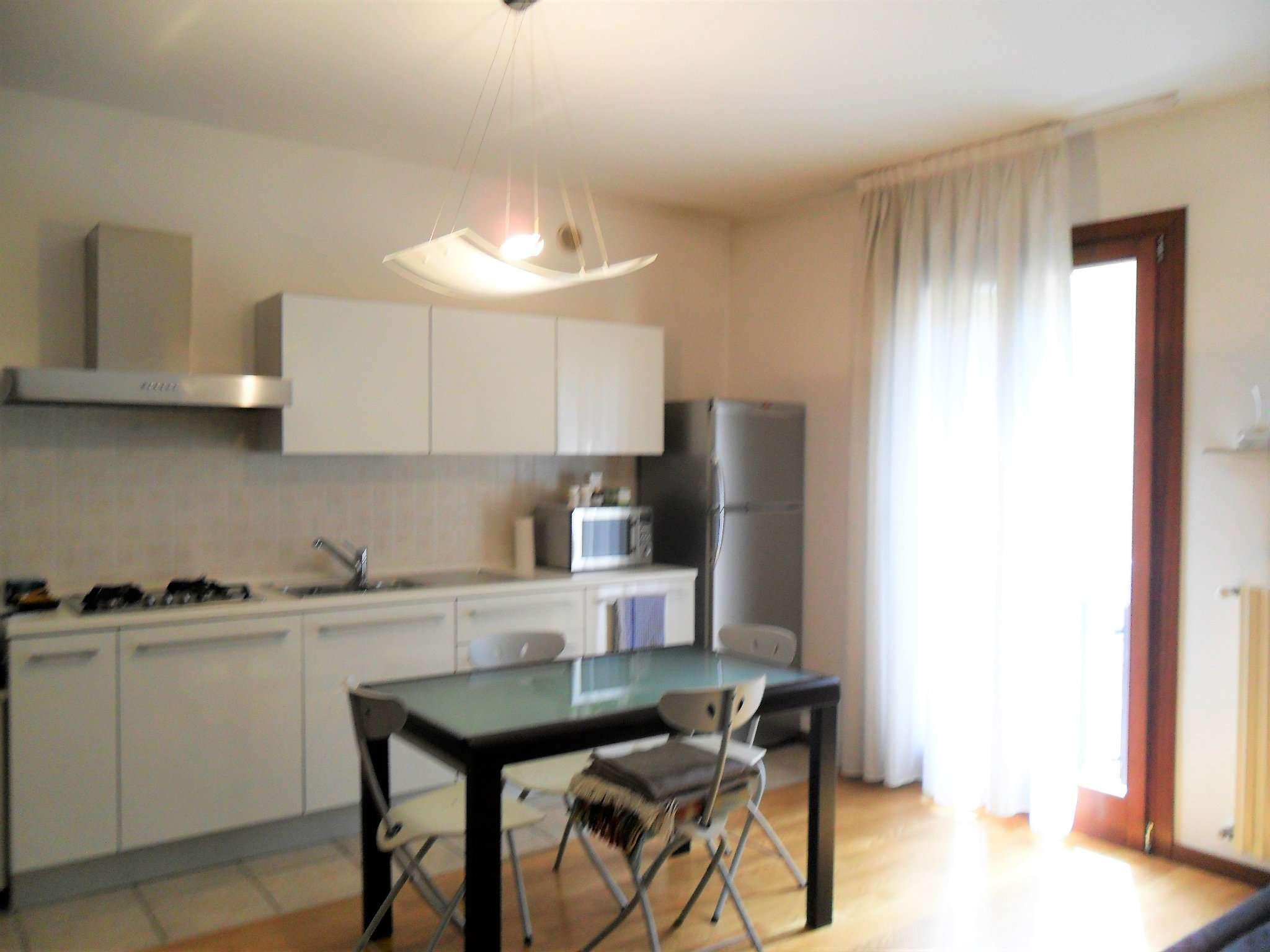Appartamento in ottime condizioni arredato in vendita Rif. 8818674