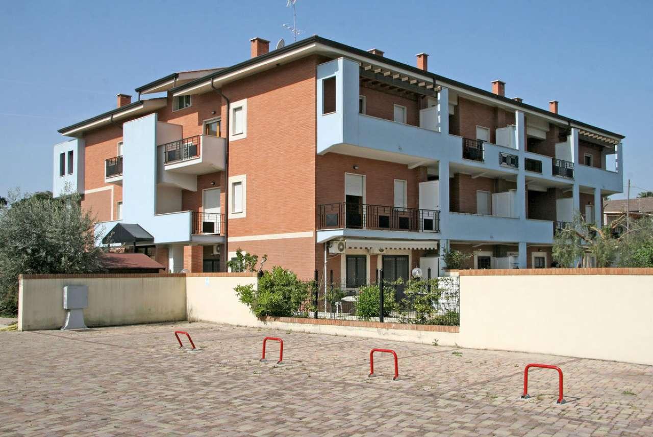 Appartamento in ottime condizioni arredato in affitto Rif. 7349687