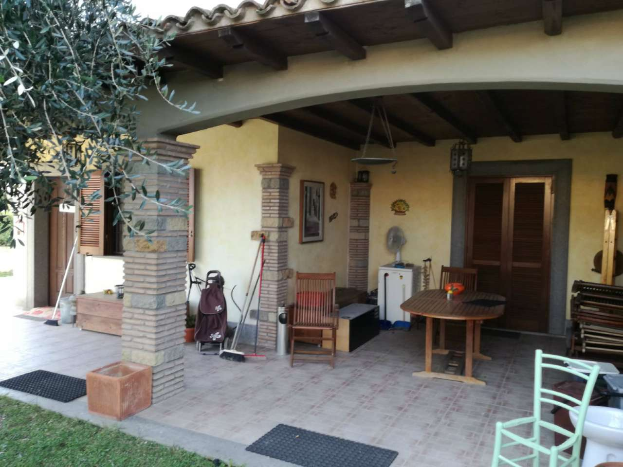 Appartamento in vendita a Anguillara Sabazia, 4 locali, prezzo € 210.000 | CambioCasa.it