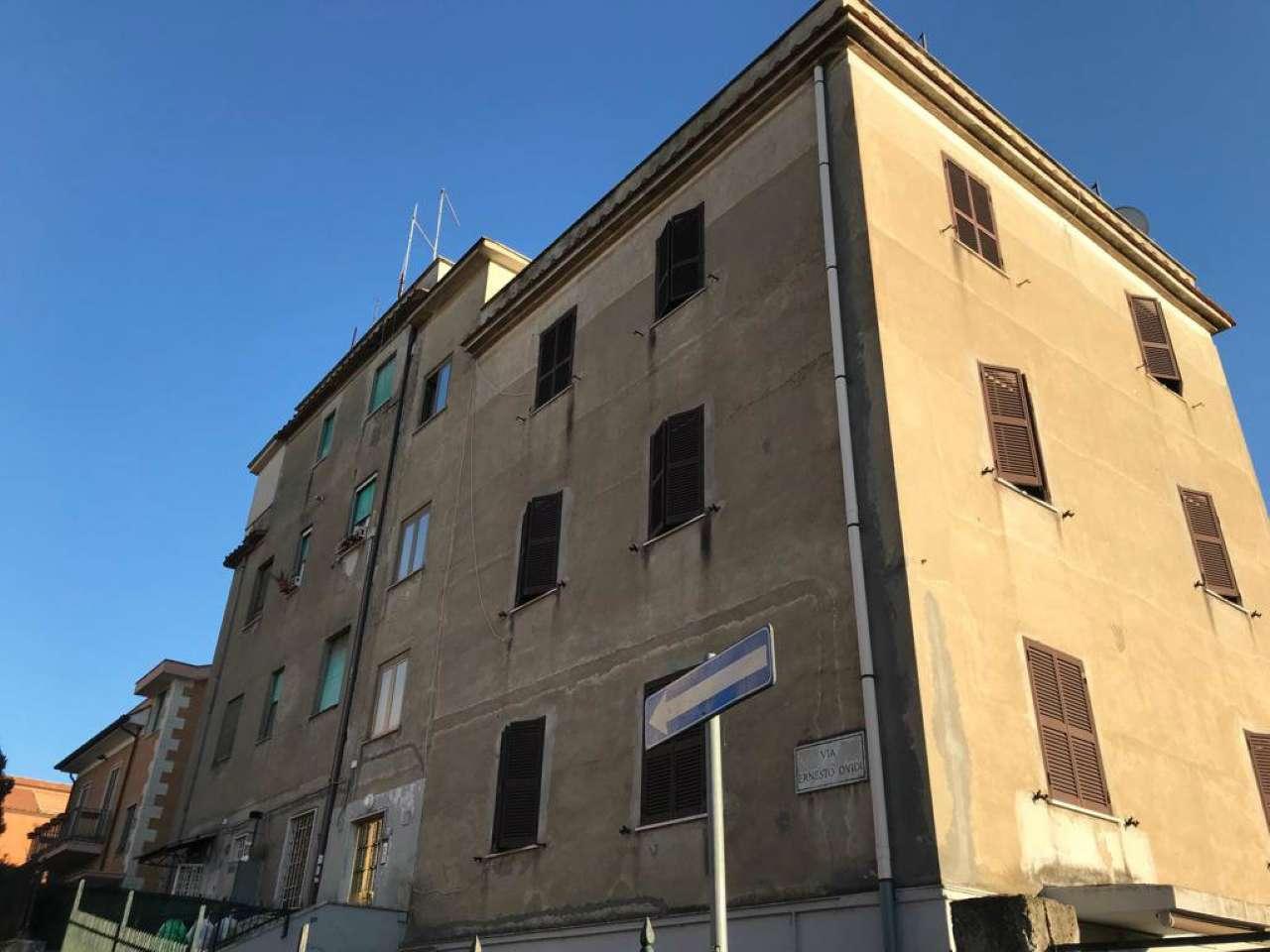 Appartamento in vendita a Roma, 3 locali, zona Zona: 28 . Torrevecchia - Pineta Sacchetti - Ottavia, prezzo € 125.000 | CambioCasa.it