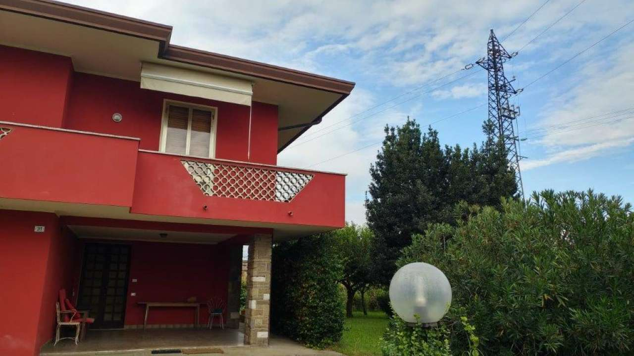 Casa Indipendente in buone condizioni in vendita Rif. 8358497