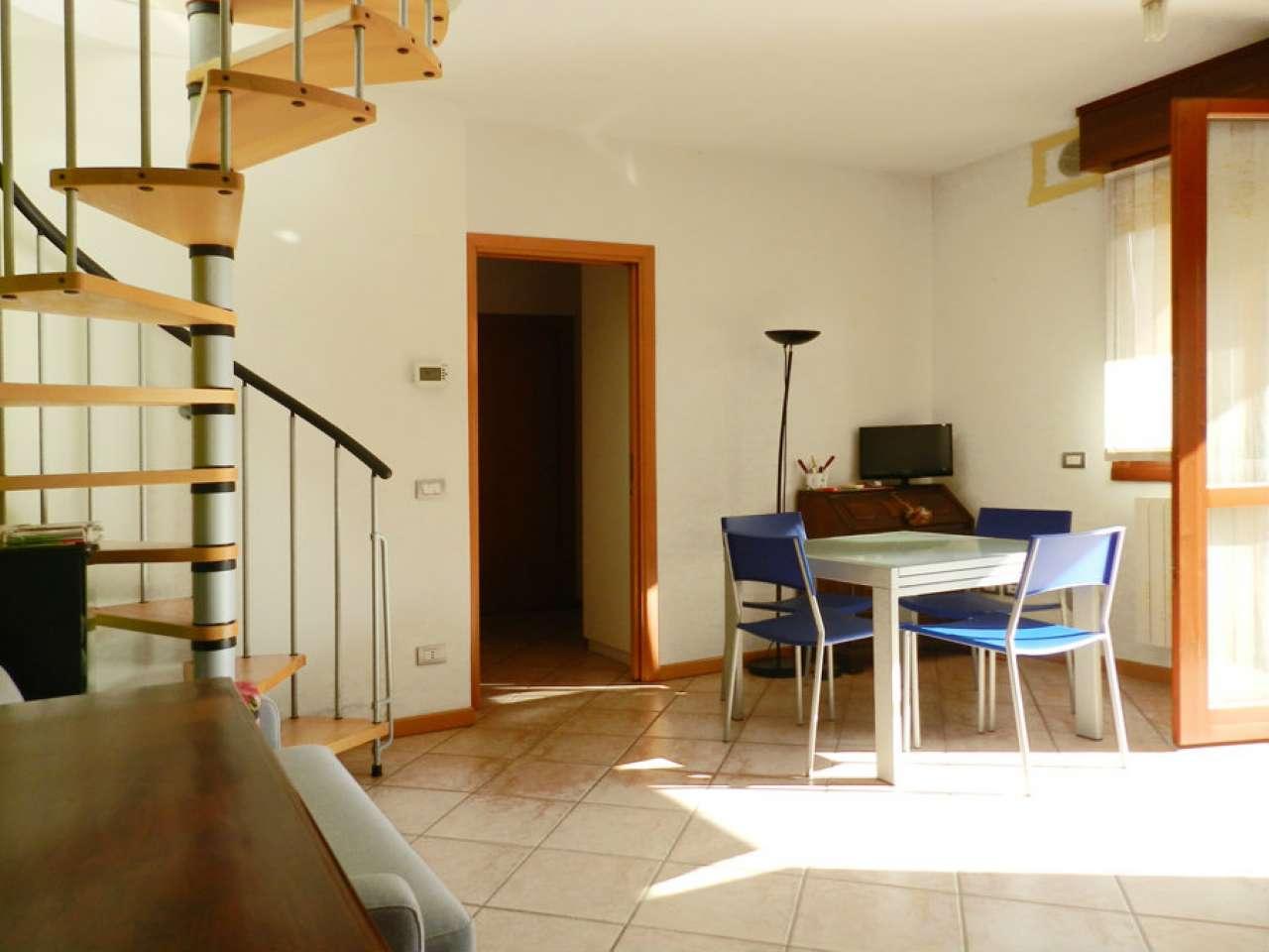 Appartamento in buone condizioni in vendita Rif. 6111073