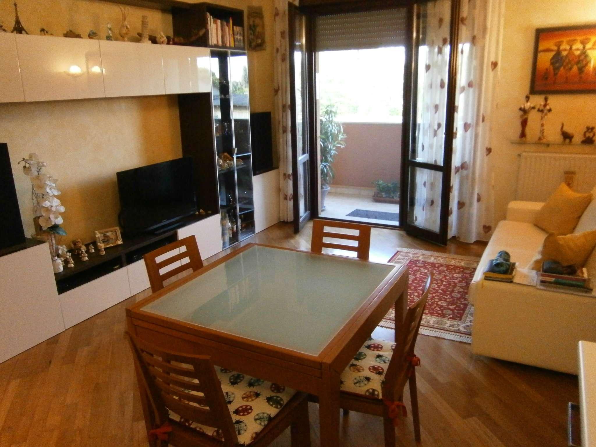 Appartamento in ottime condizioni in vendita Rif. 7005176