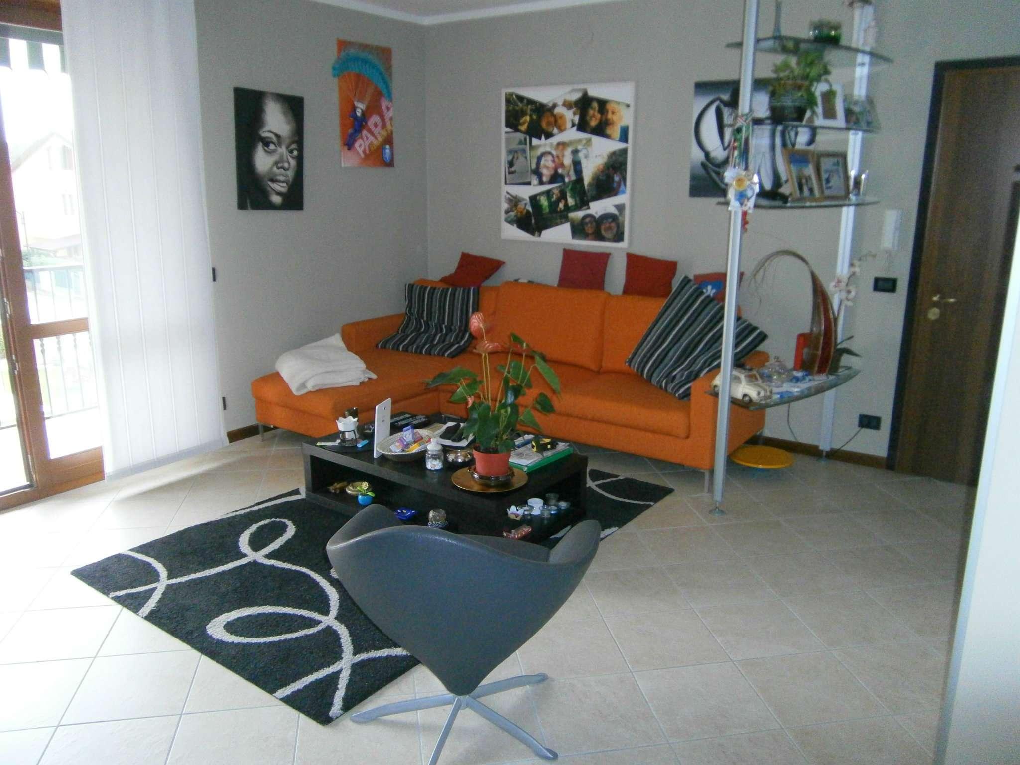 Appartamento in buone condizioni in vendita Rif. 8468618
