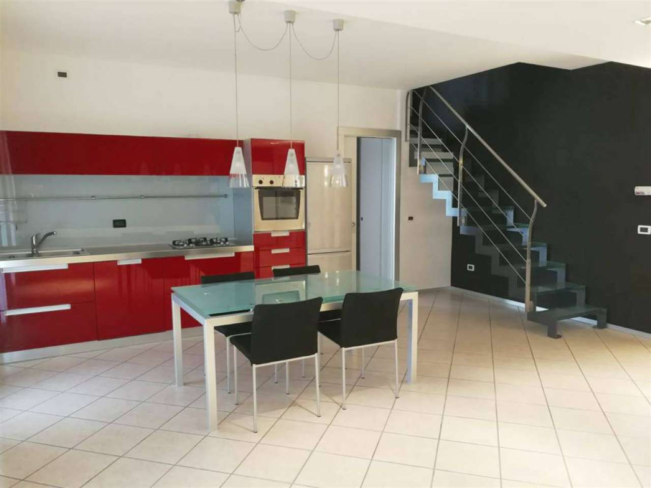 Appartamento in buone condizioni arredato in vendita Rif. 8523444