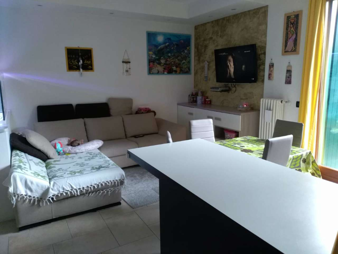 Appartamento in buone condizioni in vendita Rif. 8611189