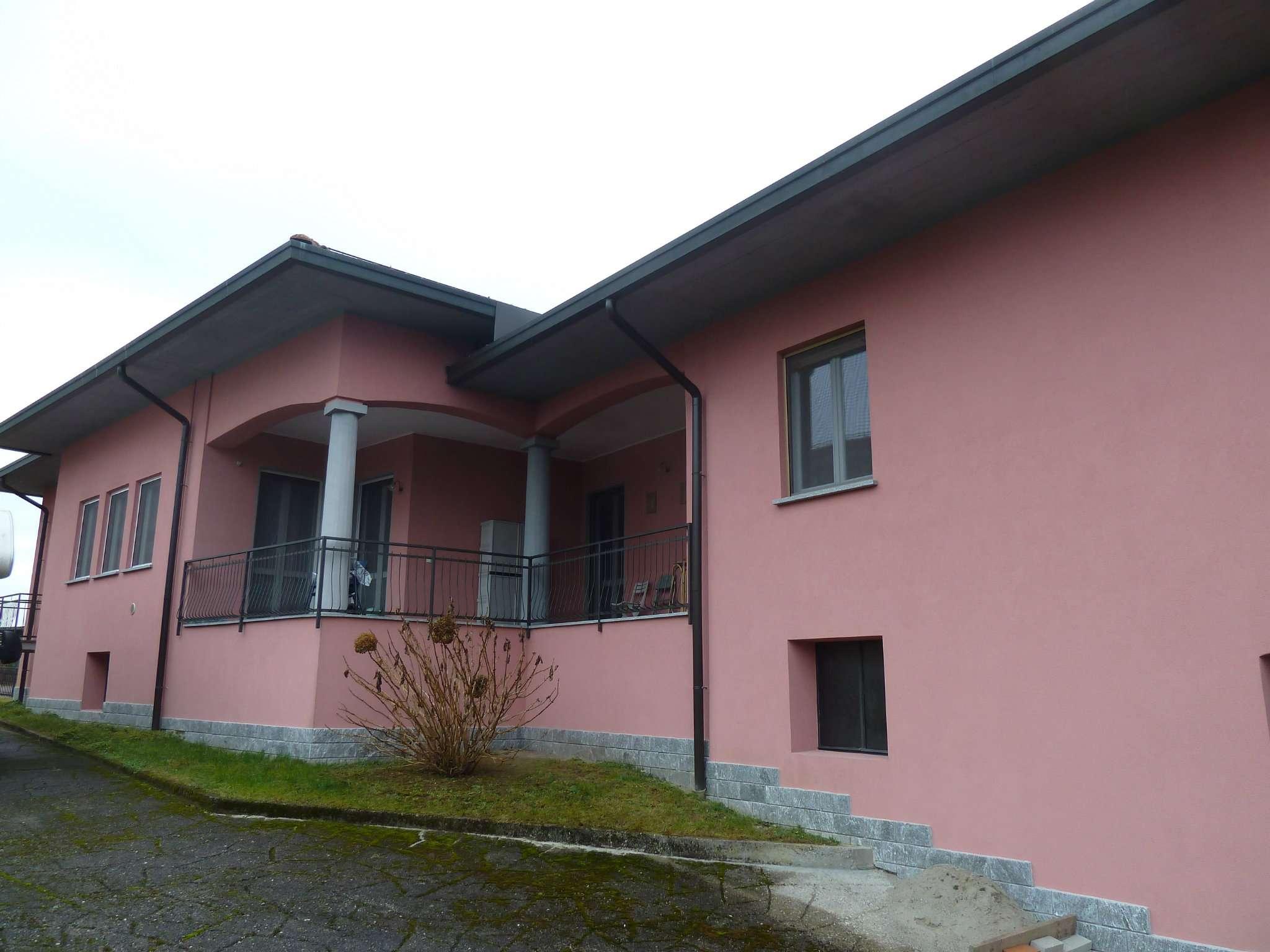 Appartamento in vendita a Biandronno, 5 locali, prezzo € 198.000 | CambioCasa.it