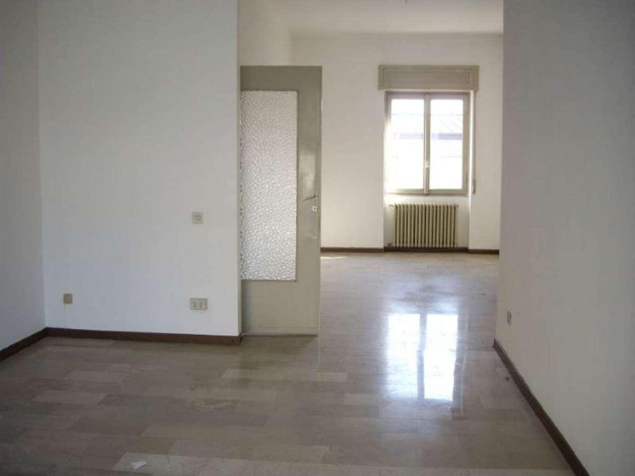 Negozio / Locale in affitto a Treviglio, 1 locali, prezzo € 667 | CambioCasa.it