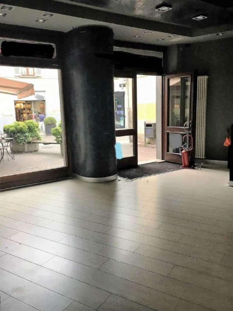 Negozio / Locale in affitto a Treviglio, 2 locali, prezzo € 2.500   CambioCasa.it
