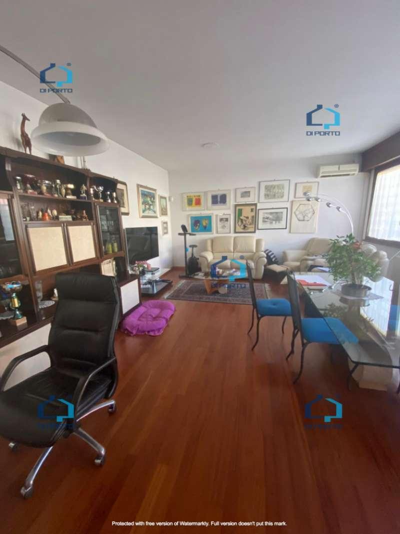 Appartamento in vendita a Roma, 6 locali, zona Zona: 18 . Ardeatino - Grotta Perfetta - Fonte Meravigliosa, prezzo € 469.000   CambioCasa.it