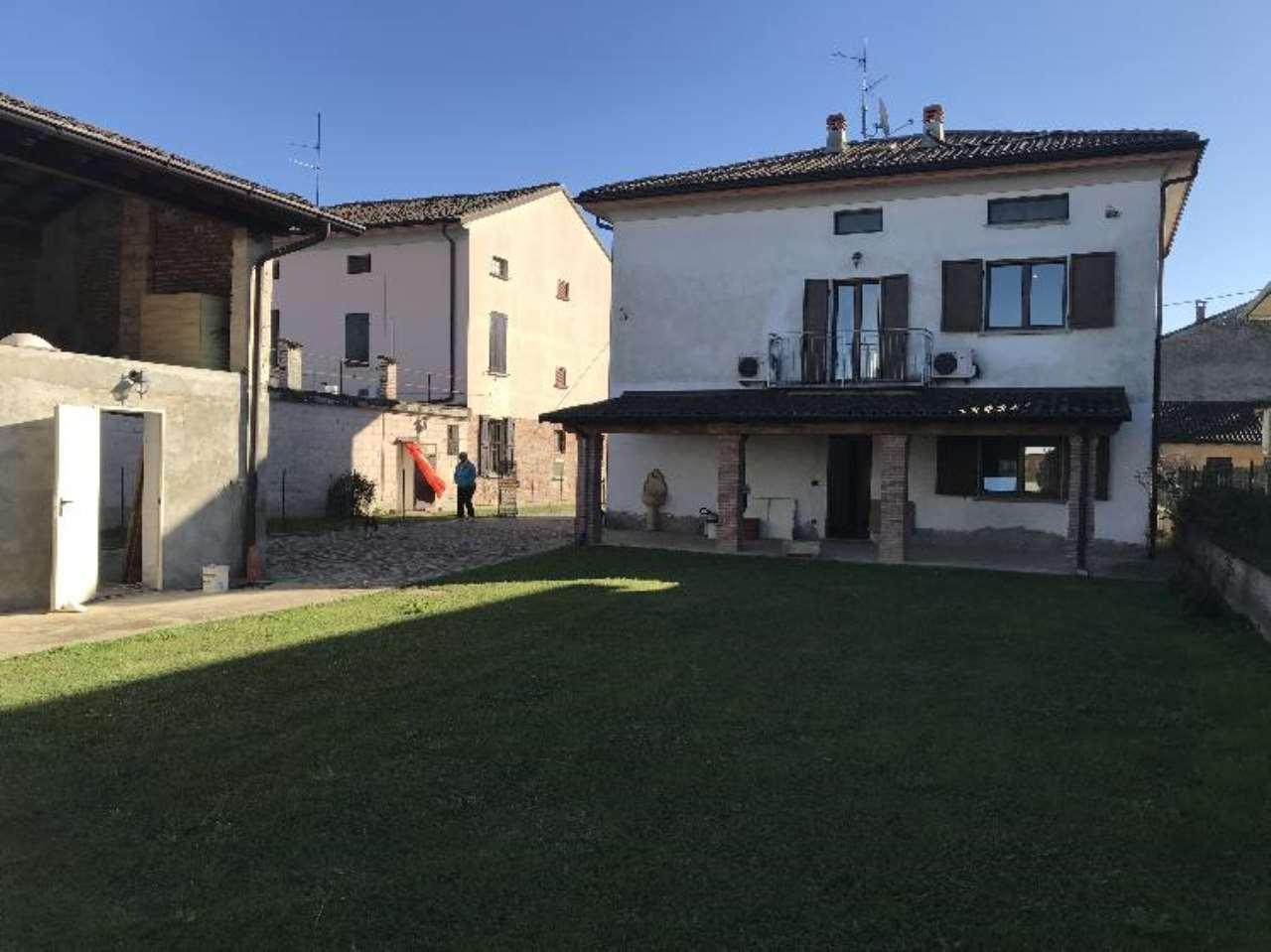Soluzione Indipendente in vendita a Pieve San Giacomo, 4 locali, prezzo € 225.000 | CambioCasa.it