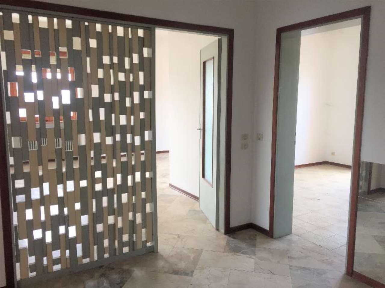 Appartamento in vendita a Castelvetro Piacentino, 3 locali, prezzo € 75.000 | CambioCasa.it