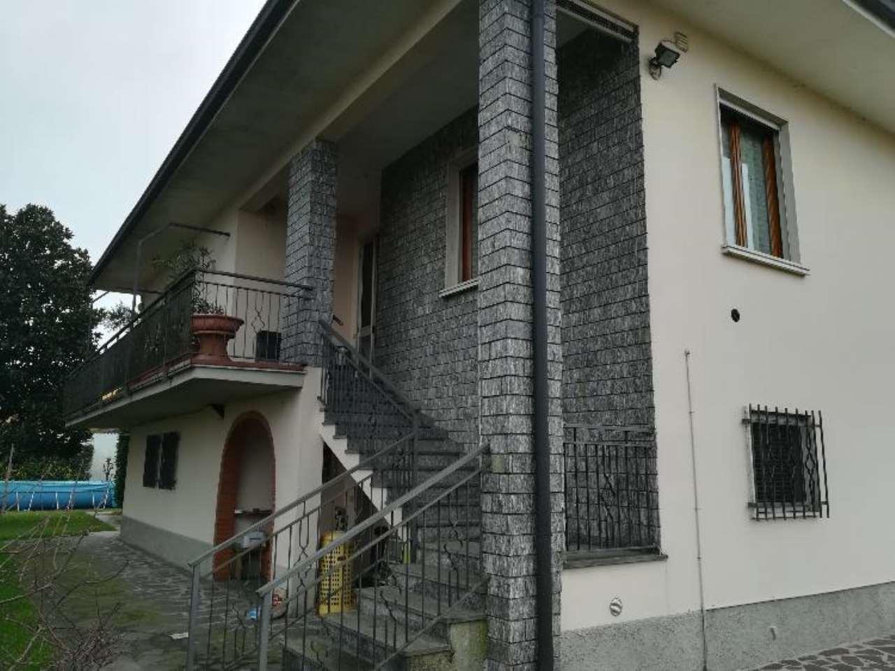 Villa in vendita a Malagnino, 5 locali, prezzo € 255.000 | CambioCasa.it
