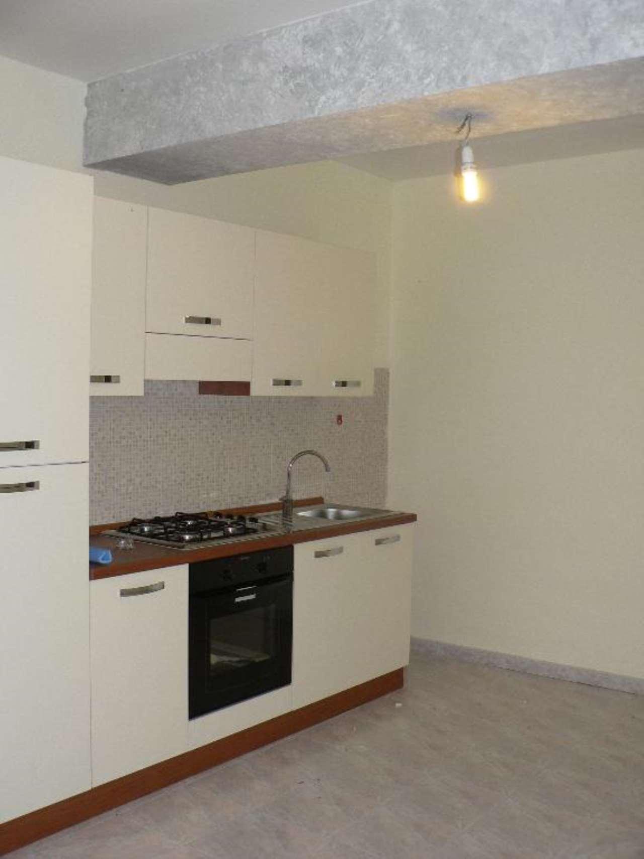 Appartamento in affitto a Pieve d'Olmi, 2 locali, prezzo € 350 | CambioCasa.it