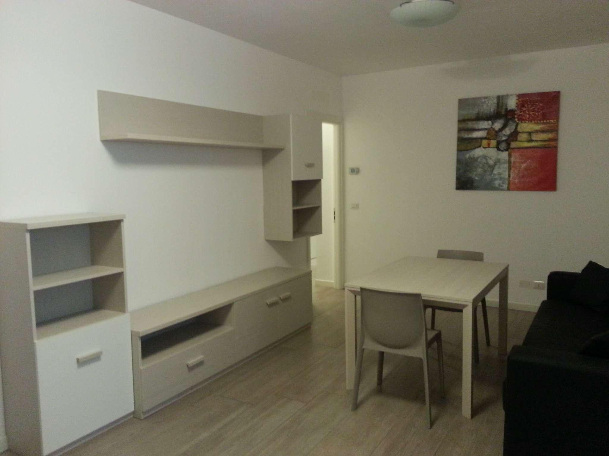 Appartamento in ottime condizioni arredato in affitto Rif. 9126520