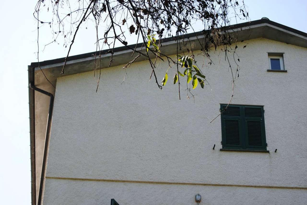 Palazzo / Stabile in vendita a Carro, 10 locali, prezzo € 100.000 | CambioCasa.it