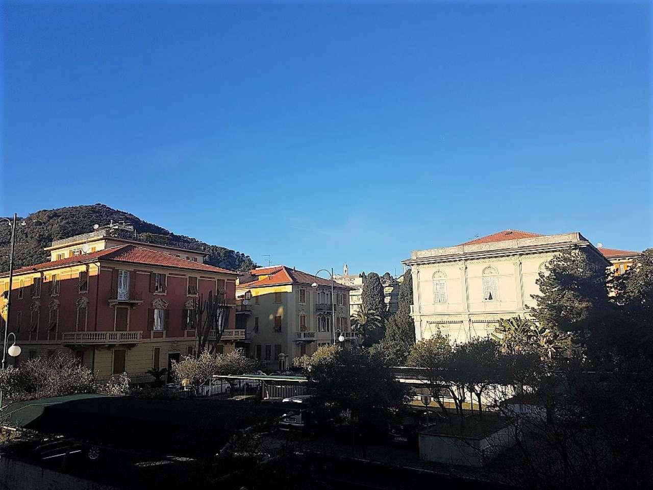 Appartamento in vendita a Chiavari, 5 locali, prezzo € 248.000 | CambioCasa.it