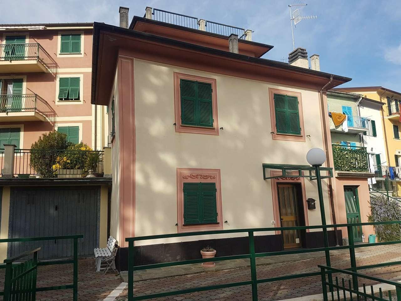 Appartamento in affitto a Carasco, 4 locali, prezzo € 500 | CambioCasa.it