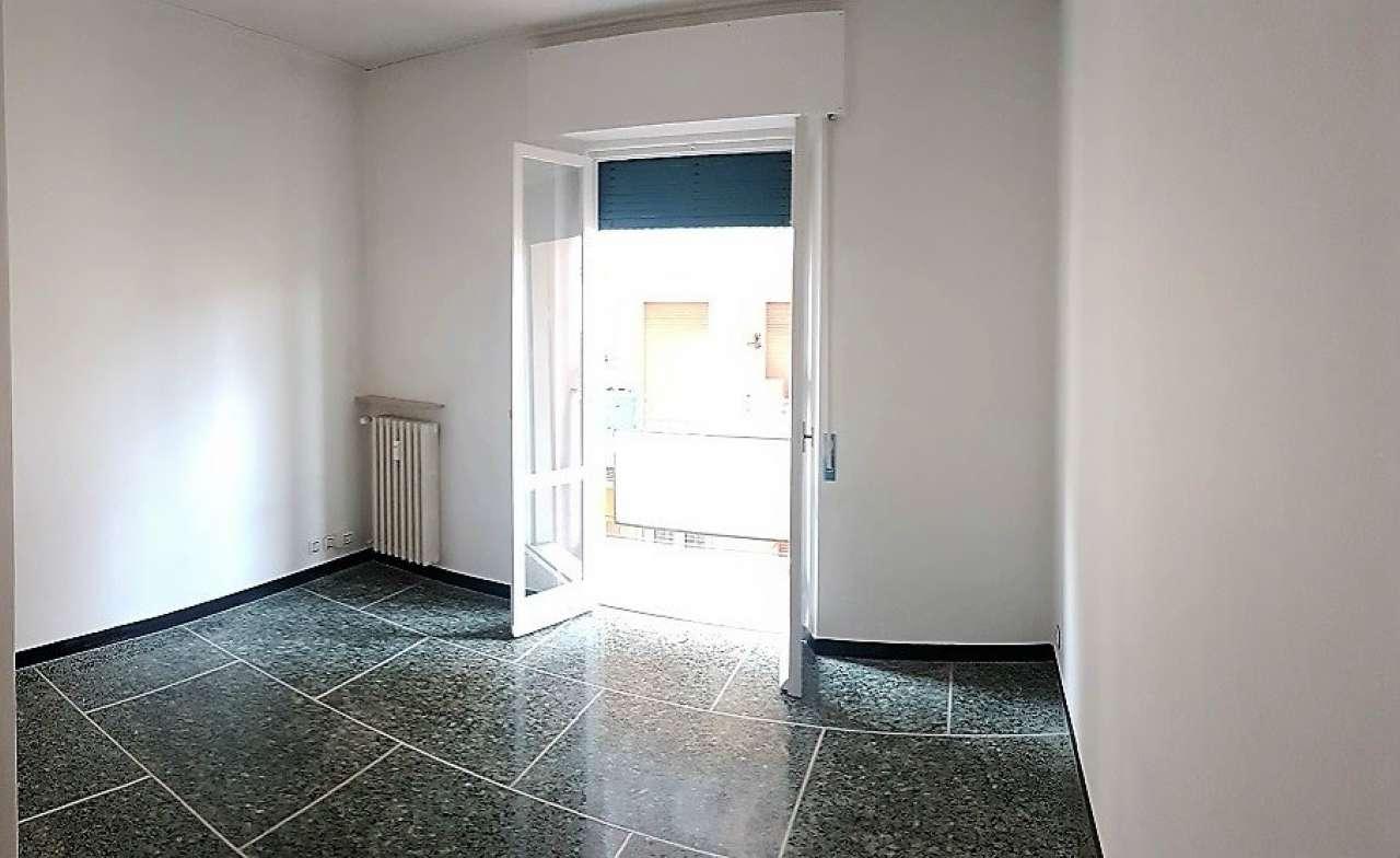 Appartamento in affitto a Chiavari, 4 locali, prezzo € 500 | CambioCasa.it