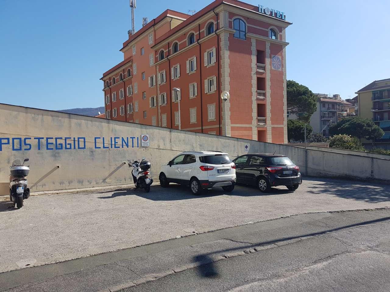 Negozio / Locale in vendita a Lavagna, 6 locali, prezzo € 420.000 | PortaleAgenzieImmobiliari.it