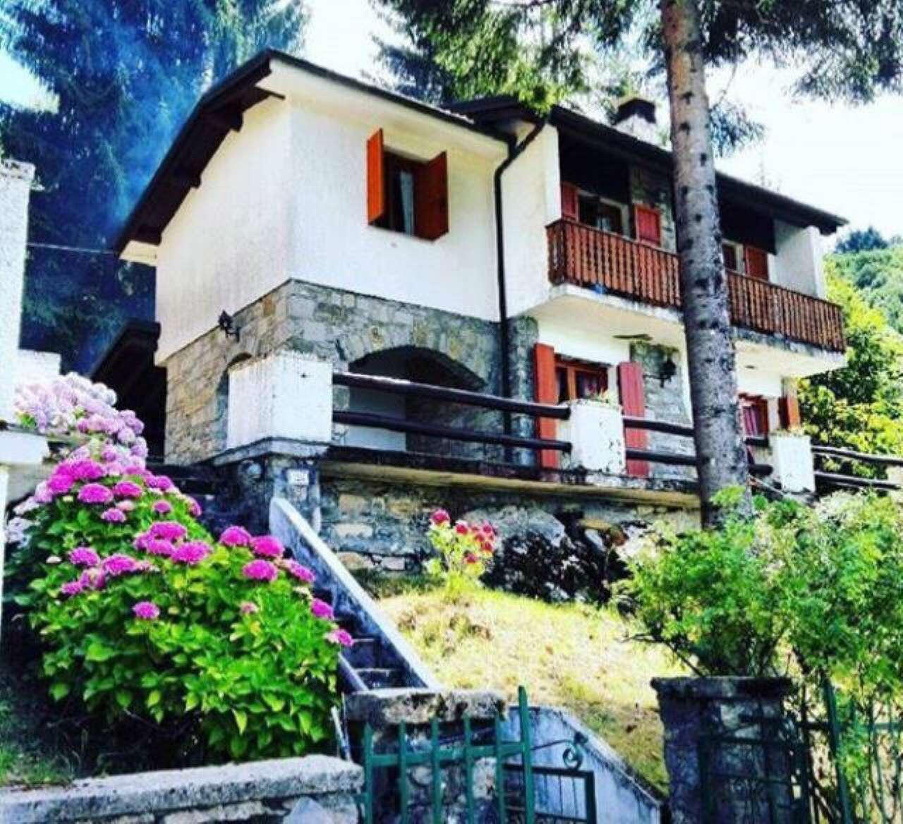 Villa in vendita a Santo Stefano d'Aveto, 7 locali, prezzo € 189.000   PortaleAgenzieImmobiliari.it
