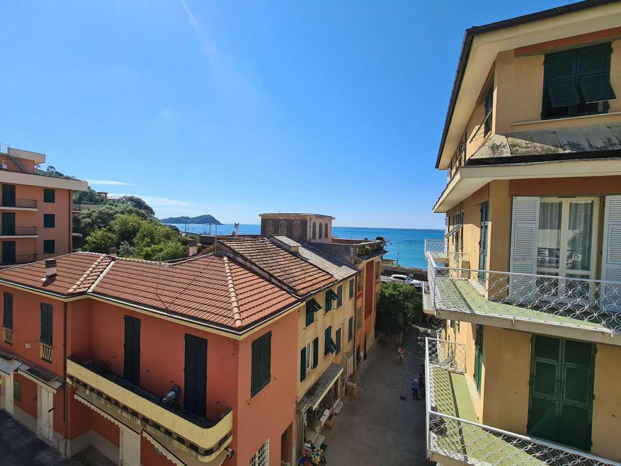 Appartamento in vendita a Lavagna, 5 locali, prezzo € 240.000   CambioCasa.it