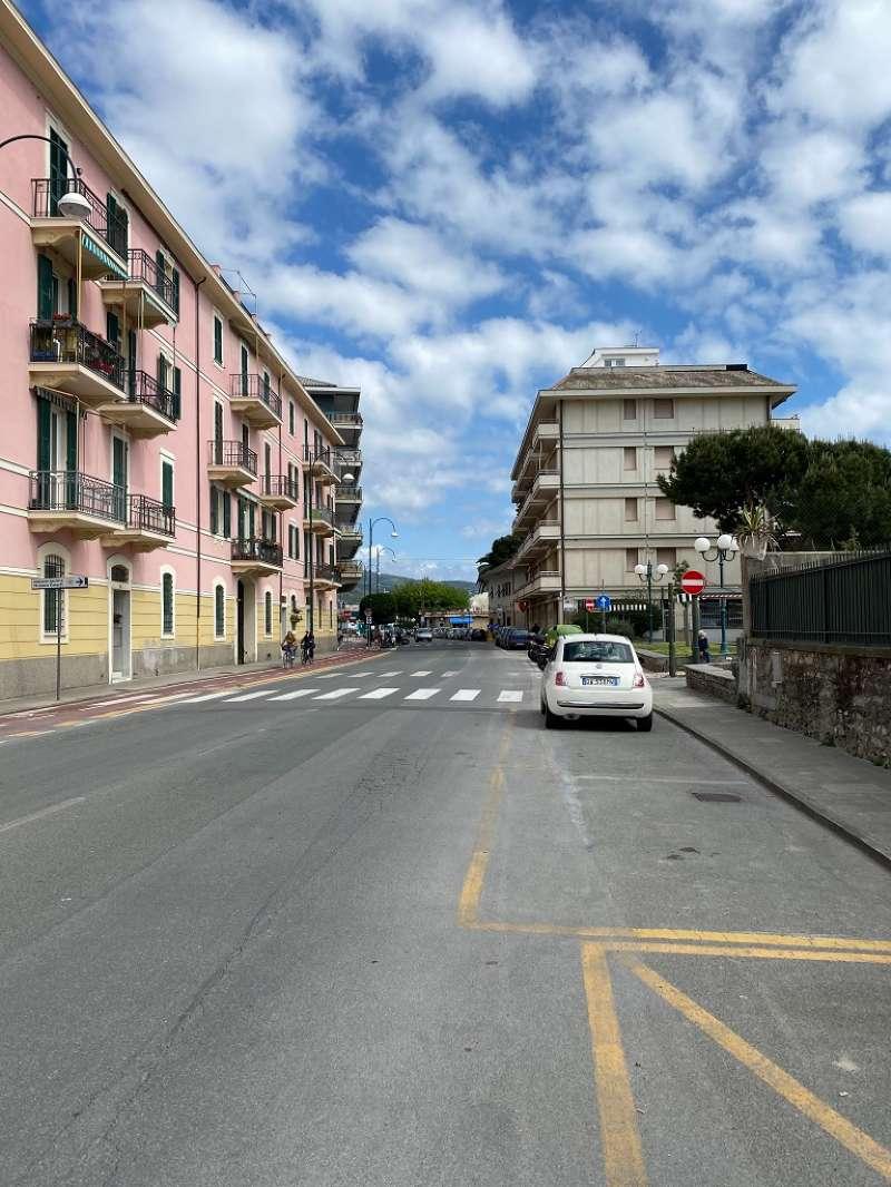 Appartamento in vendita a Chiavari, 5 locali, prezzo € 255.000 | PortaleAgenzieImmobiliari.it