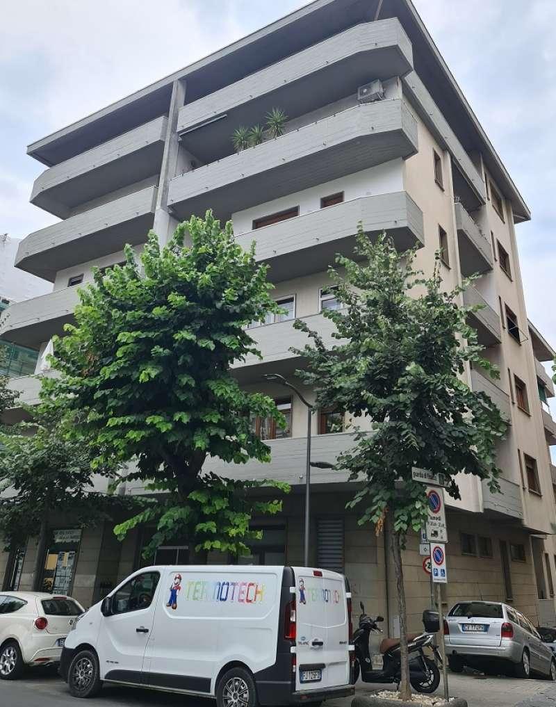 Appartamento in vendita a Chiavari, 8 locali, prezzo € 490.000 | PortaleAgenzieImmobiliari.it