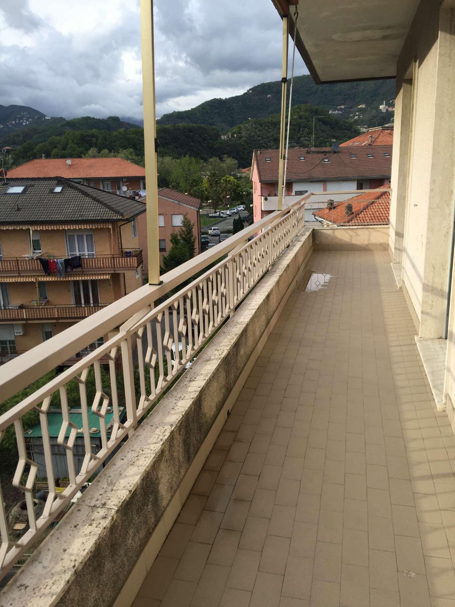 Appartamento in affitto a Cogorno, 3 locali, prezzo € 400 | CambioCasa.it