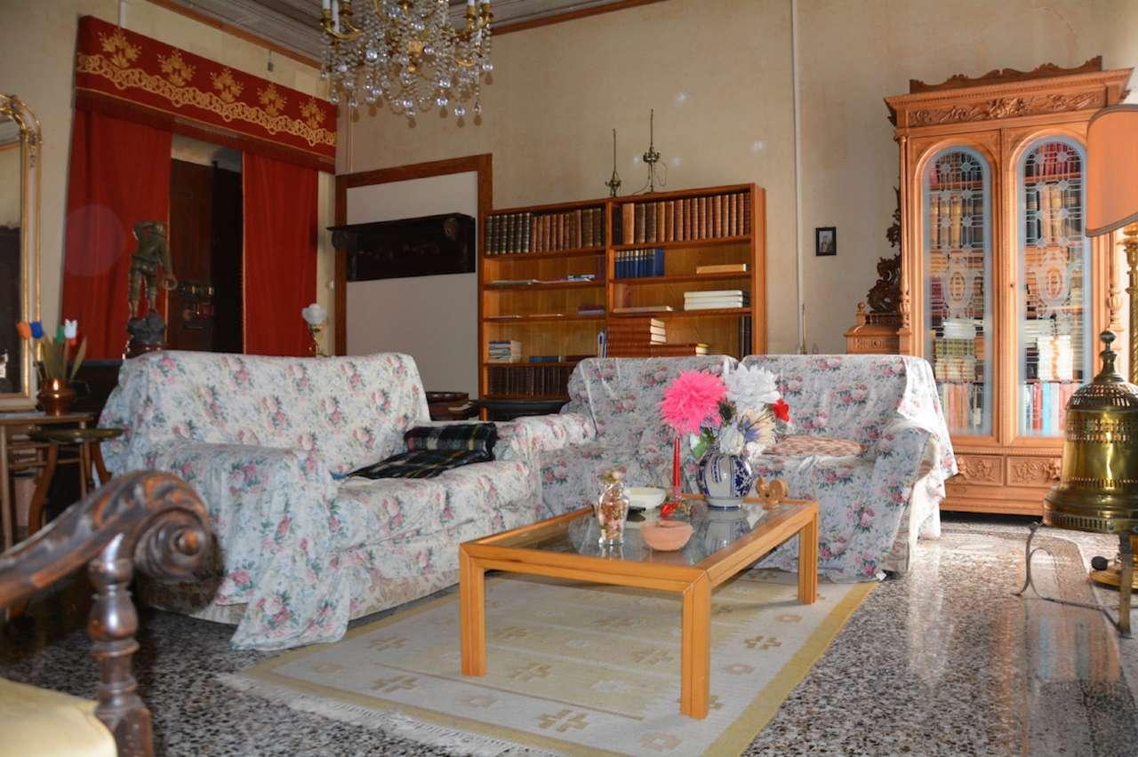 Appartamento in vendita a Chiavari, 4 locali, prezzo € 295.000 | CambioCasa.it