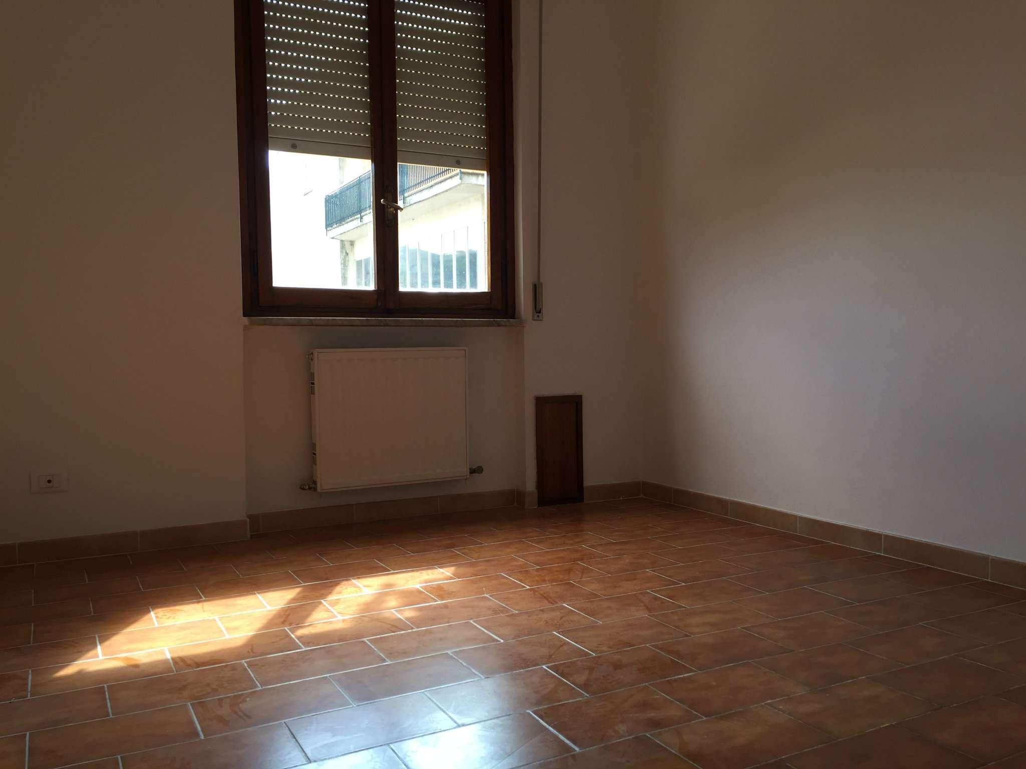 Appartamento in affitto a Carasco, 4 locali, prezzo € 600 | CambioCasa.it