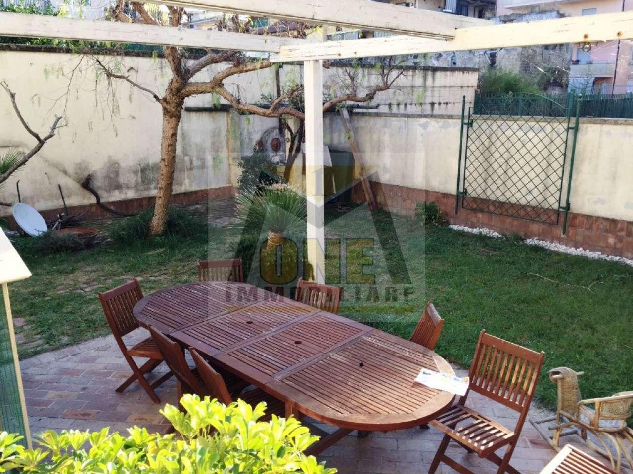 Appartamento in vendita a Giugliano in Campania, 4 locali, prezzo € 250.000   CambioCasa.it