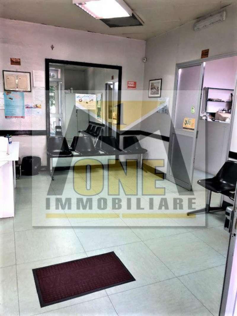 Negozio / Locale in affitto a Giugliano in Campania, 3 locali, prezzo € 1.300 | CambioCasa.it
