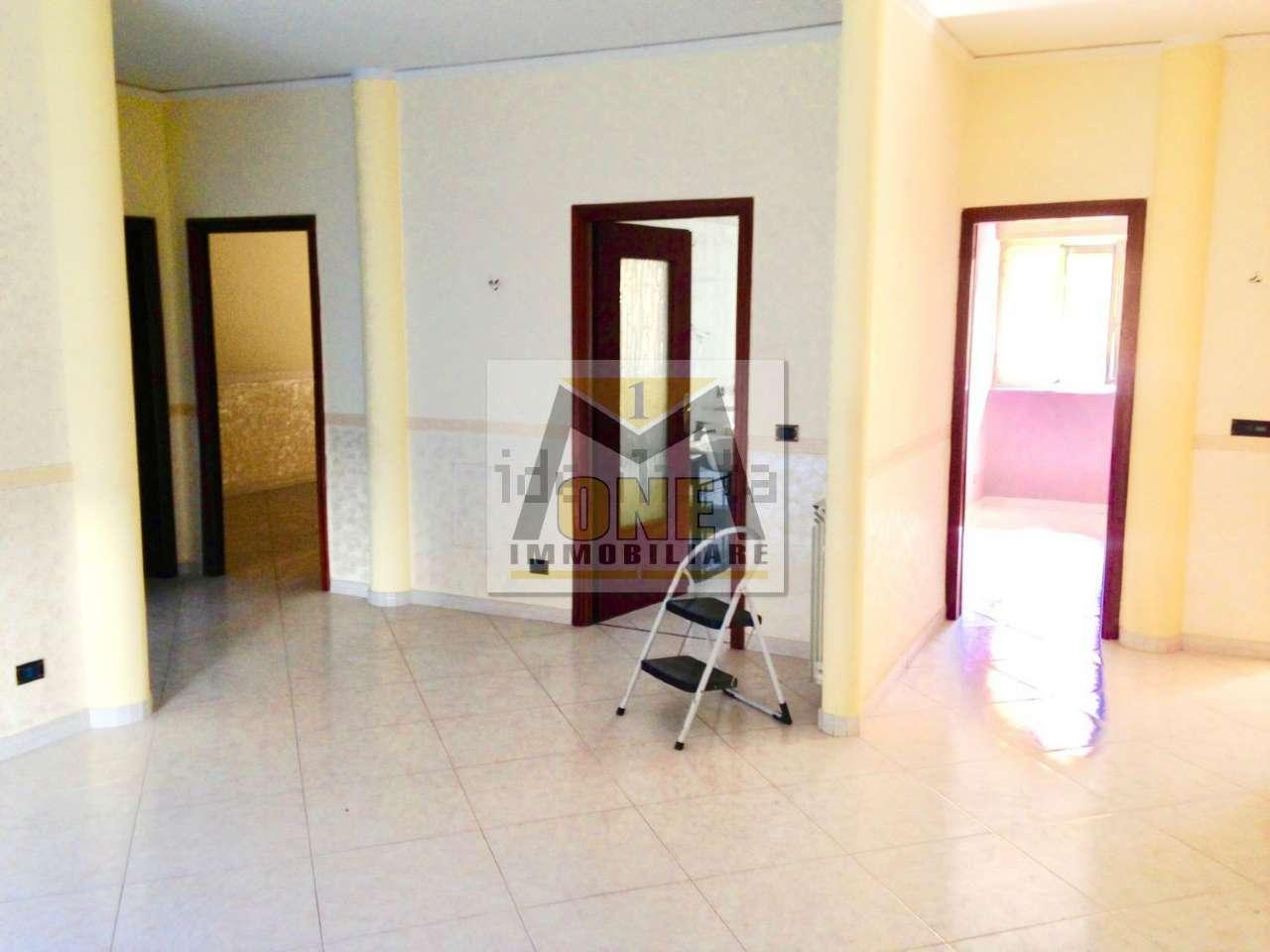 Appartamento in buone condizioni in vendita Rif. 8564232