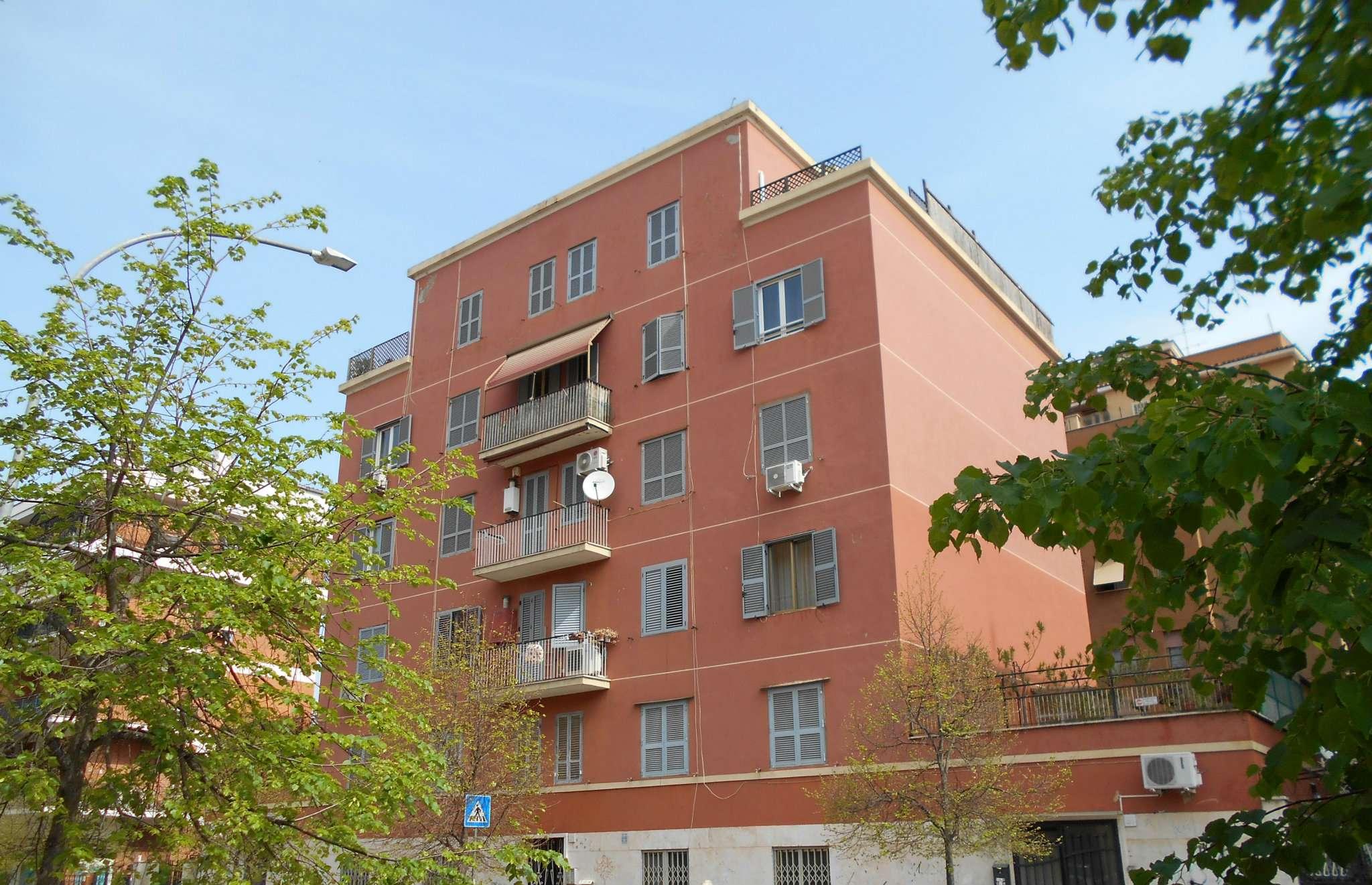 Annunci immobiliari inserzionista stimacasa cinecitta for Annunci immobiliari roma