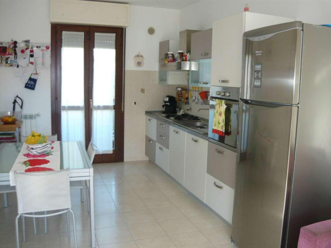 Albinia - Appartamento su 3 livelli con garage, taverna, giardino, 2 camere, 2 bagni