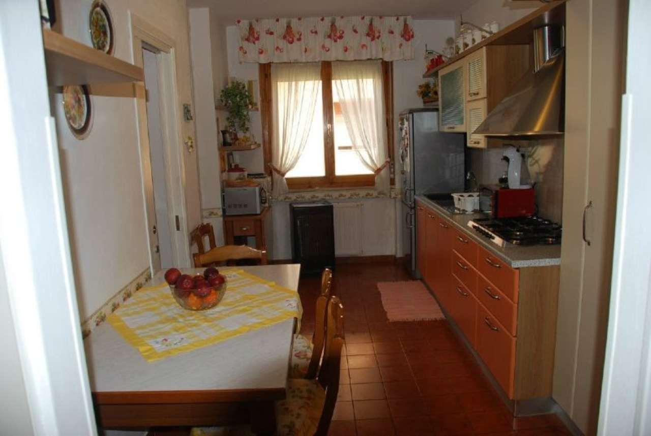 Appartamento ristrutturato parzialmente arredato in vendita Rif. 8443989